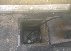 Nos agents de débouchage canalisation 78 se rendent chez vous pour mettre un terme aux dysfonctionnements liés aux engorgements des canalisations.